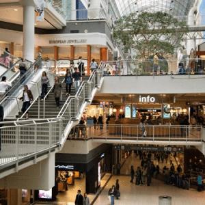 La afluencia a los centros comerciales mantiene el empuje en febrero y se eleva un 2,3%