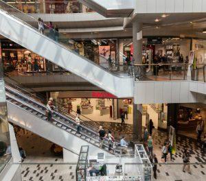 Más afluencia a los centros comerciales en marzo
