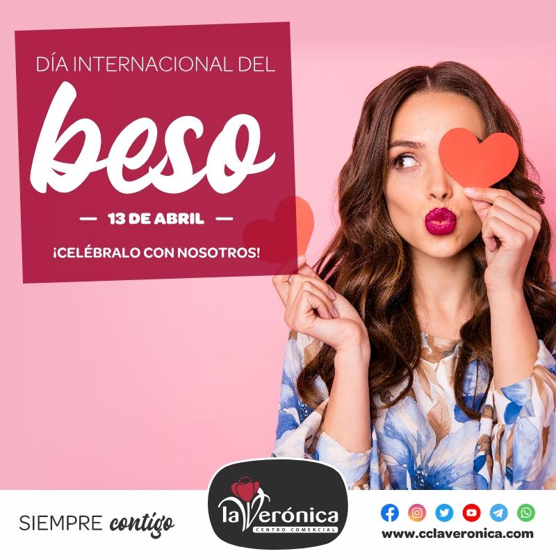 RSC Día Internacional dle Beso, Centro Comercial la Verónica